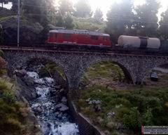 Die erste Zugkomposition, die 633 wurde am frühen Morgen fotografiert.